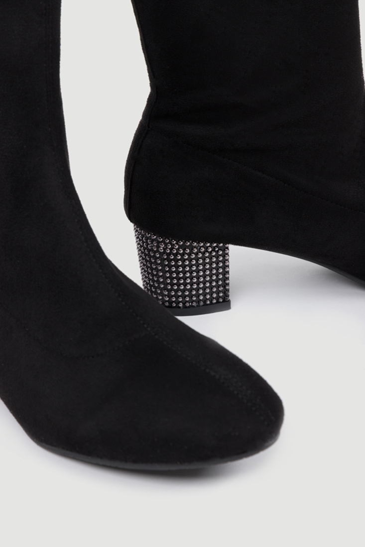 Picture of SUEDE ANKLE BOOTS WITH STUDS (2)