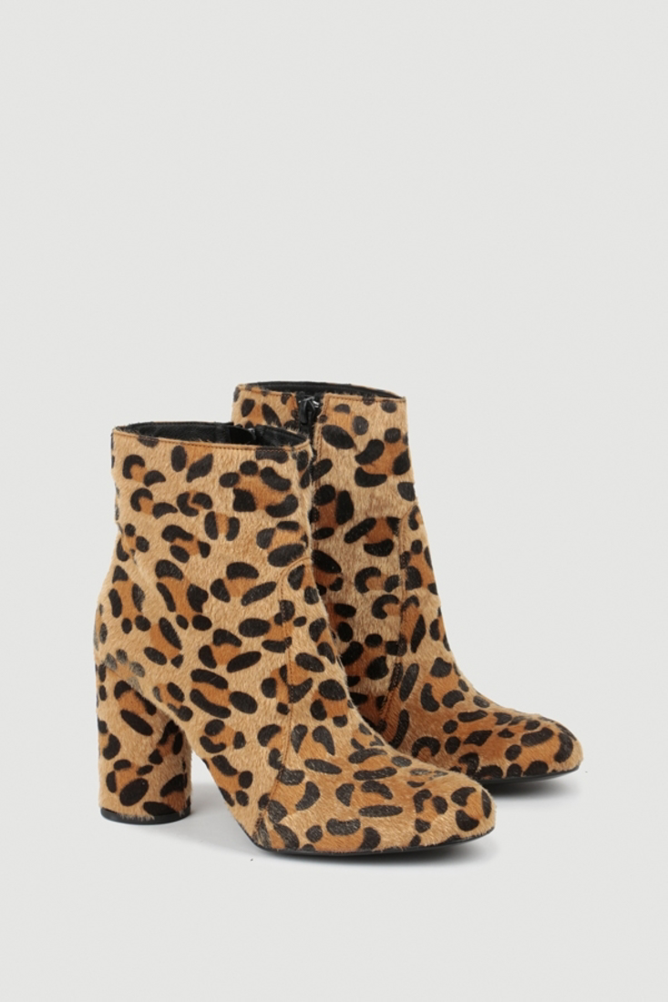 Picture of ANIMAL PRINT ANKLE BOOTS  (2)