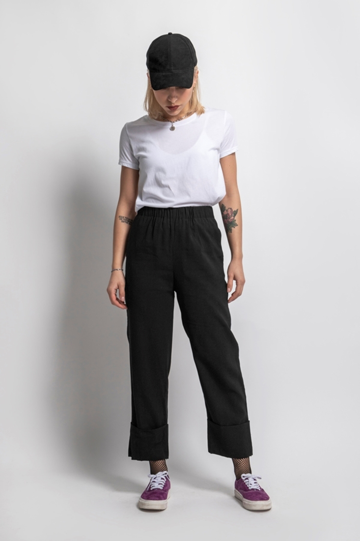 Picture of TROUSERS WITH TURN-UP HEMS (2)