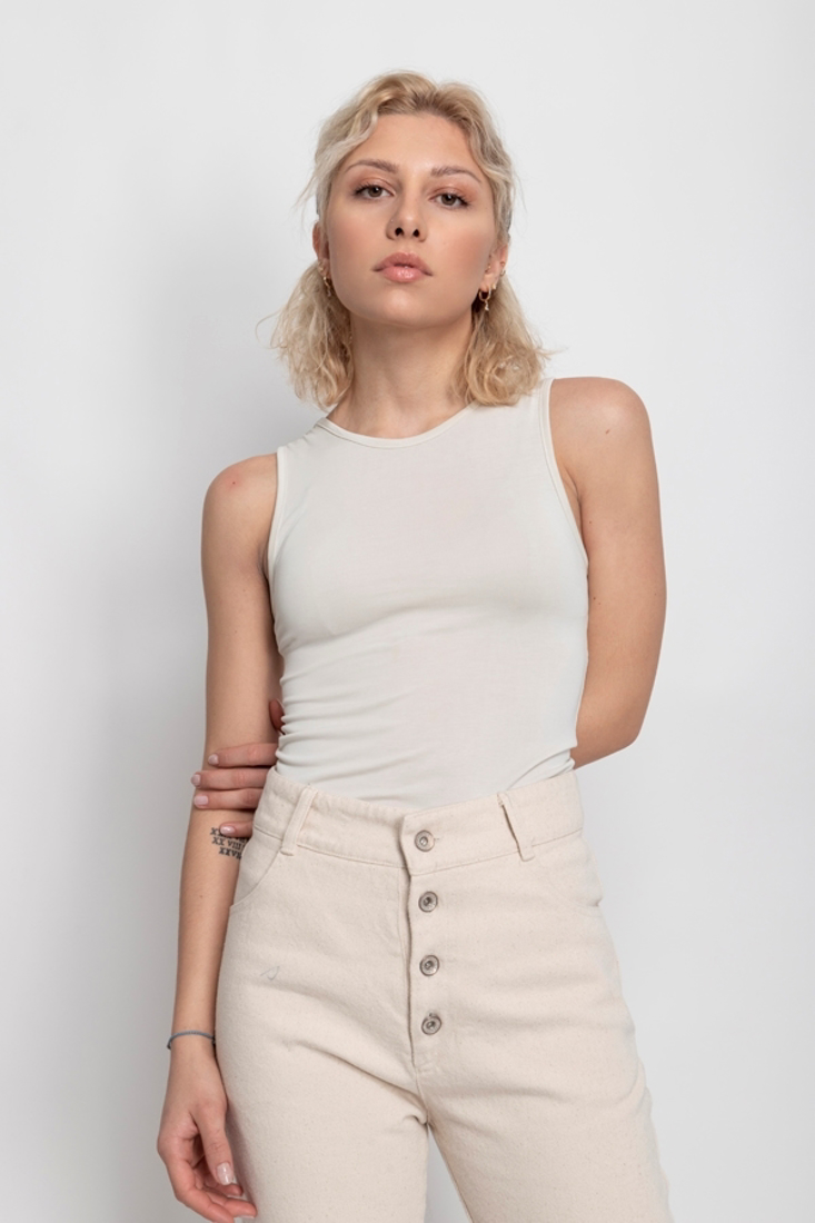 Picture of SLEEVELESS TOP (2)