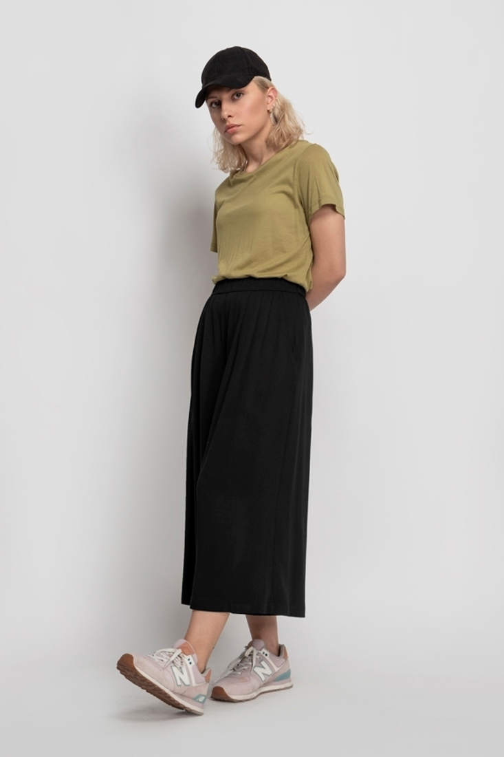 Picture of HIGH WAISTED CROP PANTS (2)