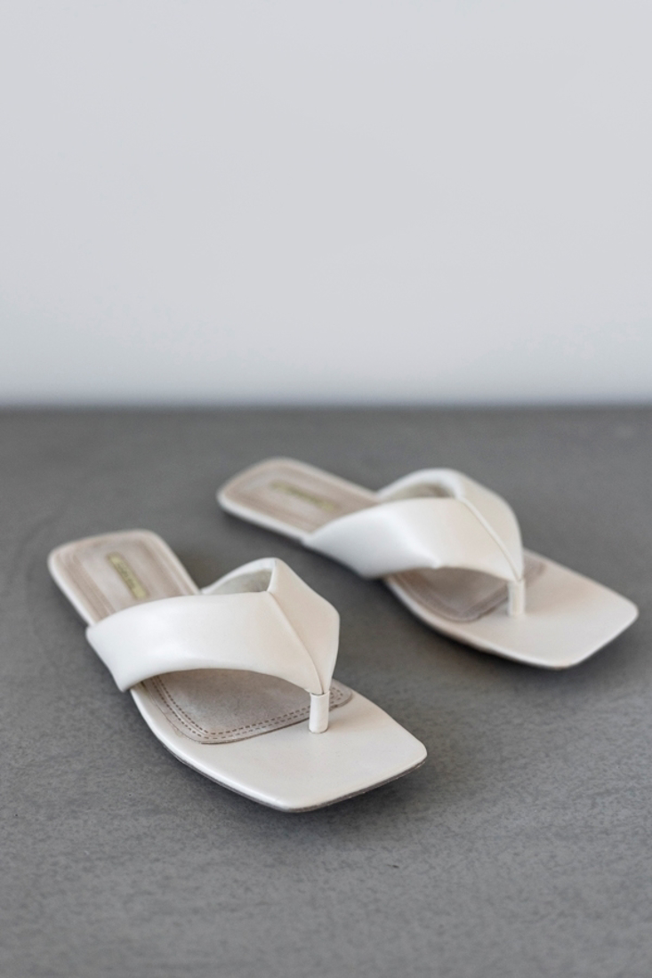 Picture of FLAT SANDALS (2)