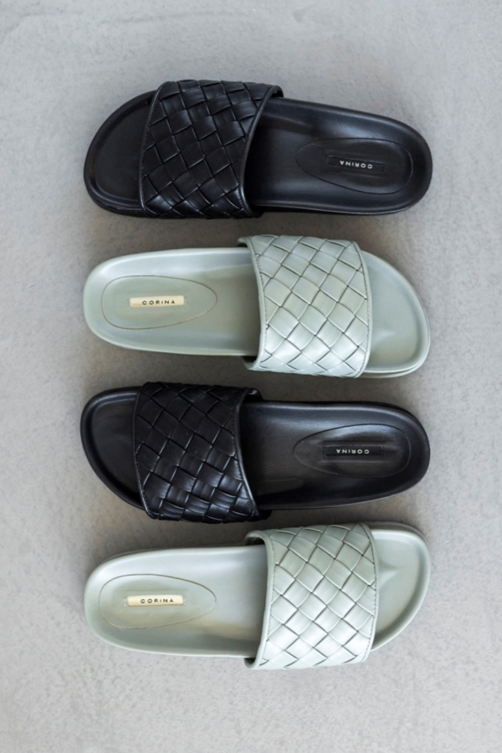 Picture of PADDED FLAT SANDALS (2)
