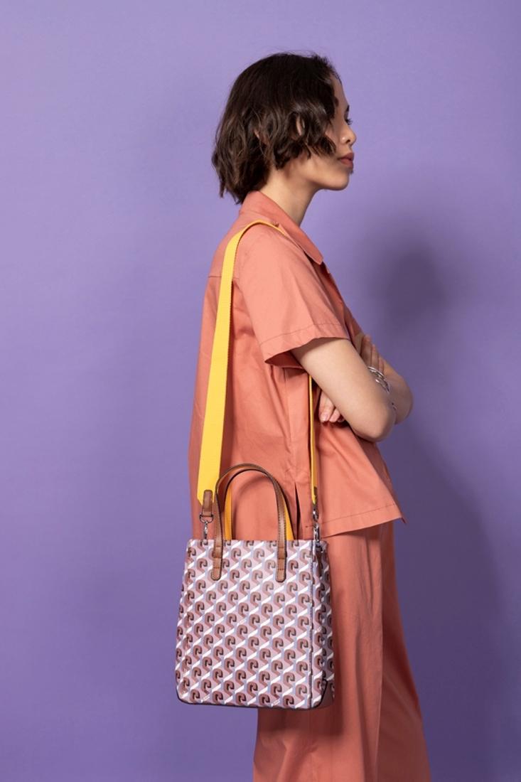 Picture of PRINTED SHOULDER BAG