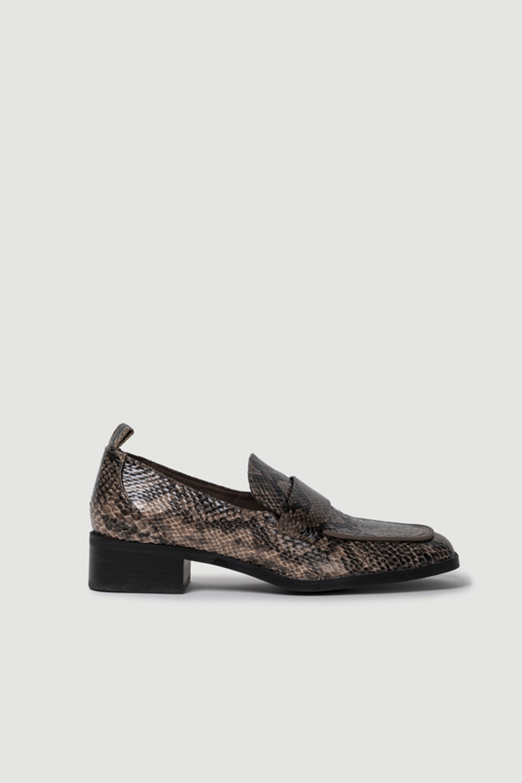 Picture of ANIMAL PRINT LOAFERS (2)