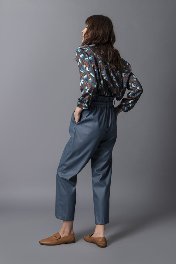 Picture of FAUX LEATHER HIGH-WAIST PANTS