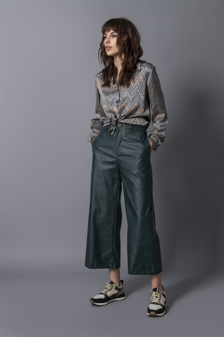 Picture of FAUX LEATHER PANTS (2)