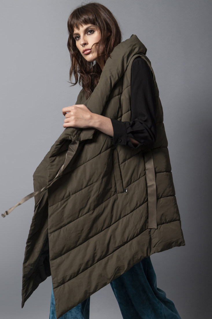 Picture of HOODED SLEEVELESS PUFFER JACKET (2)
