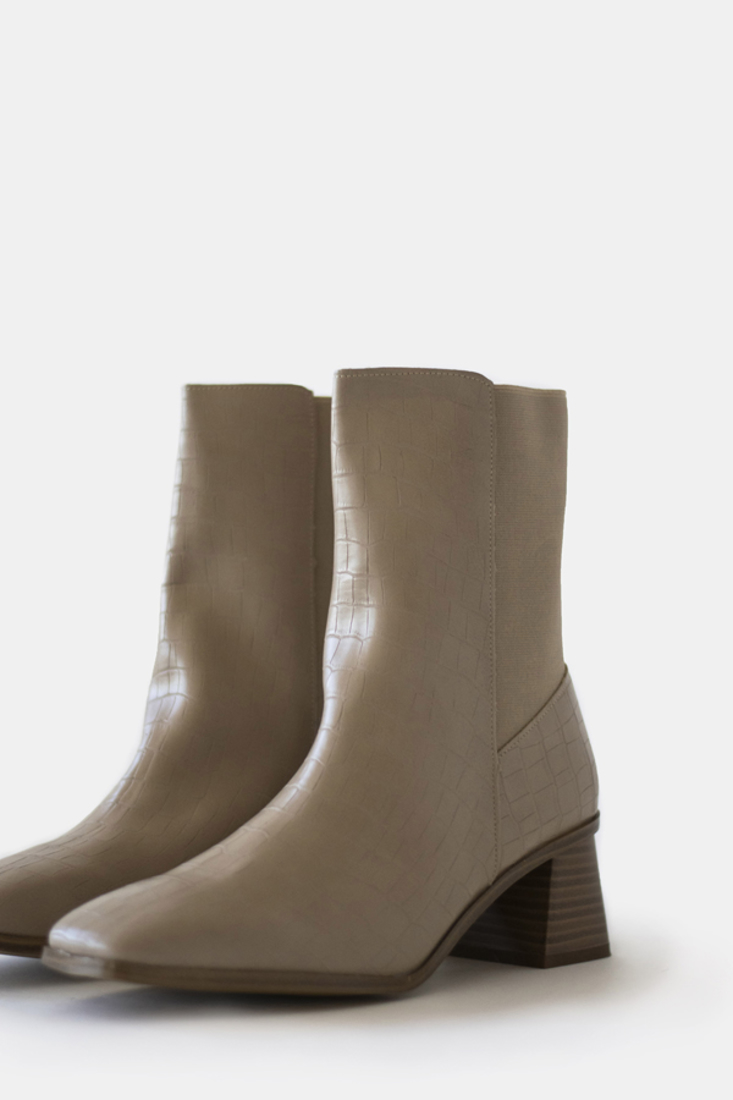 Picture of HIGH-HEEL ANKLE BOOTS