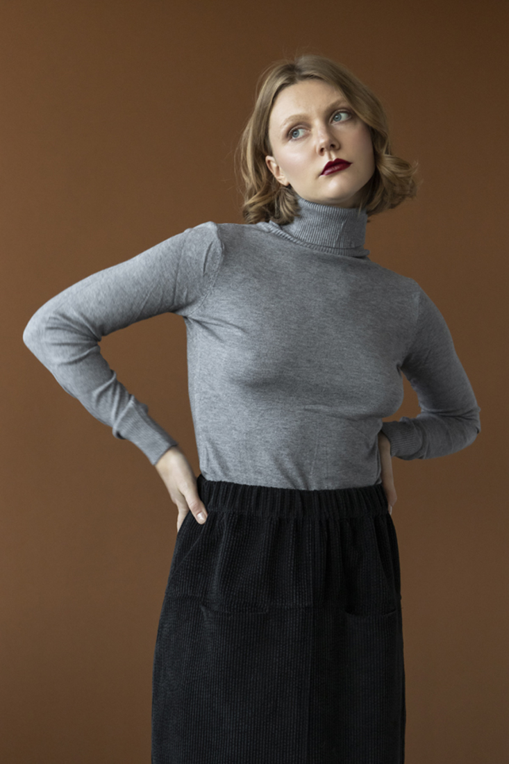 Picture of HIGH NECK KNIT SWEATER (2)