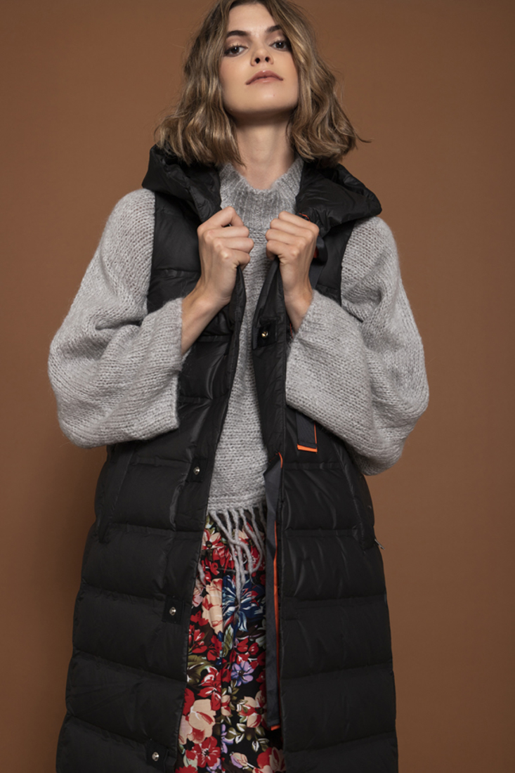 Picture of SLEEVELESS PUFFER JACKET (2)