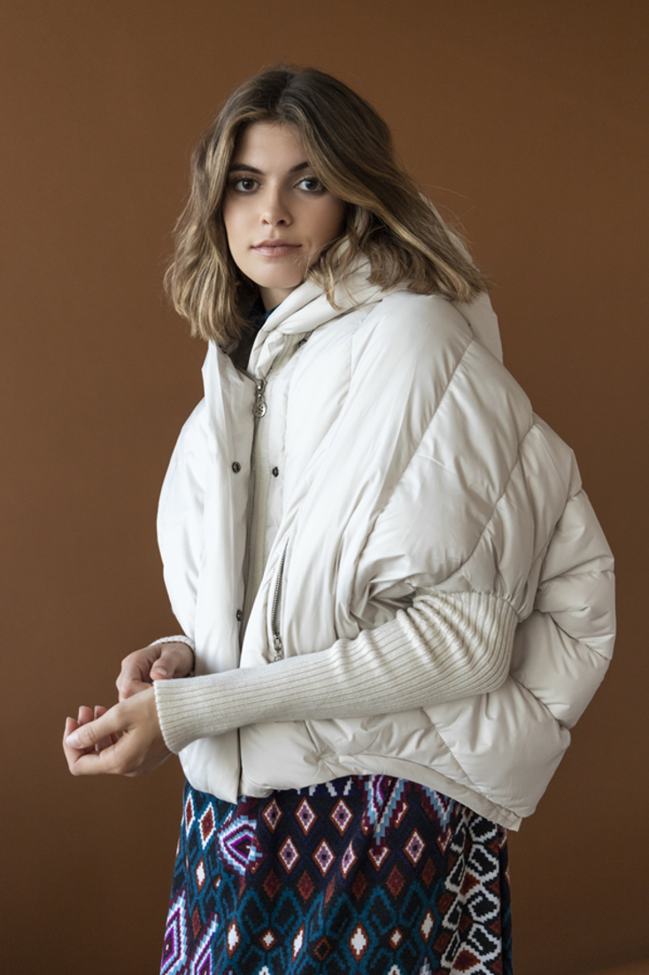 Picture of HOODED PUFFER JACKET (2)