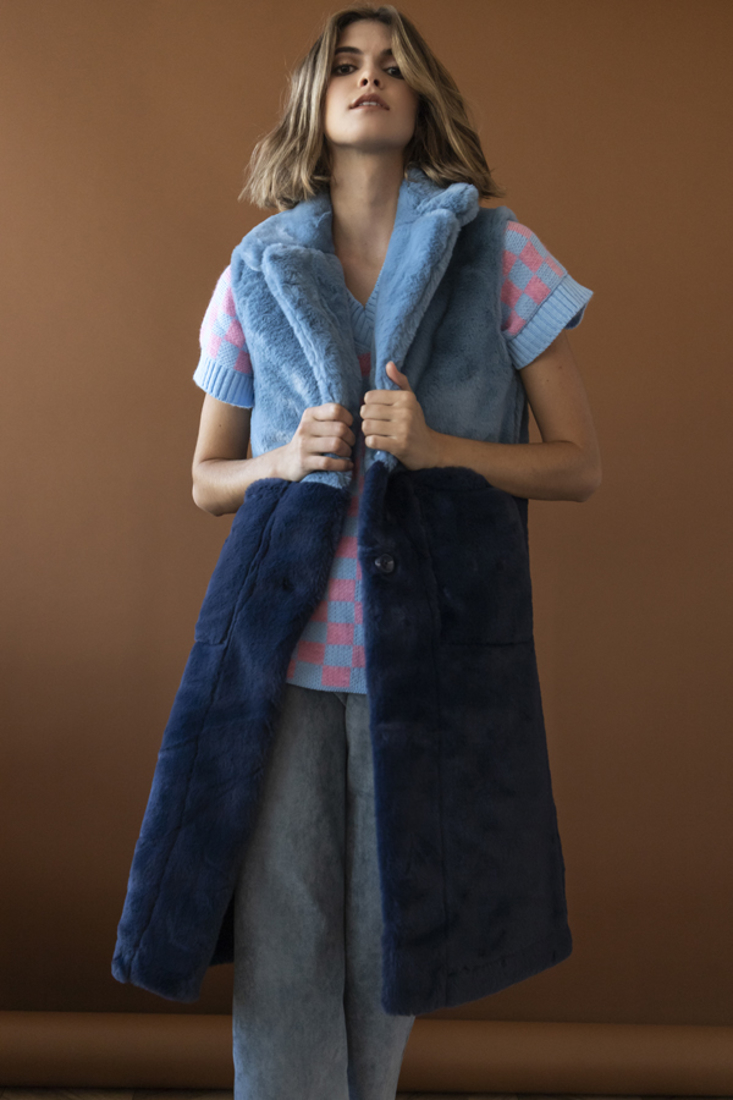 Picture of SLEEVELESS FAUX FUR COAT  (2)